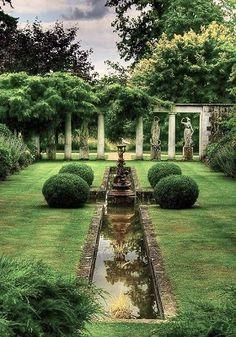 Este jardim francês é charmoso e elegante - Gartengestaltung: Französischer Garten - Formal Gardens, Outdoor Gardens, Modern Gardens, Garden Modern, Small Gardens, Landscape Architecture, Landscape Design, Landscape Structure, Green Landscape