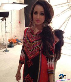 Shraddha kapoor looks mesmerizing Bollywood Girls, Bollywood Stars, Bollywood Fashion, Indian Celebrities, Bollywood Celebrities, Beautiful Bollywood Actress, Beautiful Indian Actress, Sraddha Kapoor, Ranbir Kapoor