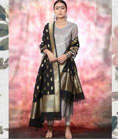 Indian Attire, Indian Ethnic Wear, Indian Outfits, Indian Dresses, Silk Kurti Designs, Salwar Designs, Heavy Dresses, Kurta Style, Indian Designer Suits