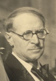 Großvater Enea Merolli (Rechtsanwalt, Dichter und Schriftsteller) Round Glass, Glasses, Fotografia, Poet, Sign Writer, Eyewear, Eyeglasses, Eye Glasses, Sunglasses