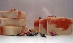 sapun-trandafiri-mare Handmade Cosmetics, Soap Recipes, Home Made Soap, Soap Making, Home Remedies, Baking Soda, Cheesecake, Projects To Try, Homemade