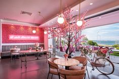 Sweet Escape: Απόβαση στο Pink Dot, ένα από τα ωραιότερα, νέα καφέ της πόλης που μοιάζει σαν να βγήκε από παραμύθι Thessaloniki, Table Decorations, Pink, Furniture, Home Decor, Interior Design, Pink Hair, Home Interior Design, Roses