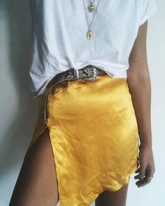 white t-shirt outfit + how to wear a mustard yellow silk skirt + target wild fable snakeskin western buckle belt + silver layered necklaces Urban Outfitters Outfit, Easy Style, Style Casual, Mode Outfits, Fashion Outfits, Womens Fashion, Outfits For Concerts, Fashion Killa, Look Fashion