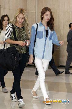 #Hyoyeon #Yoona #SNSD #GG #GirlsGeneration #Kpop #Airport ♥
