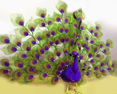 With tutorial - Nylon peacock Handmade Flowers, Diy Flowers, Fabric Flowers, Paper Flowers, Ribbon Crafts, Flower Crafts, Easy Crafts, Diy And Crafts, Décor Crafts