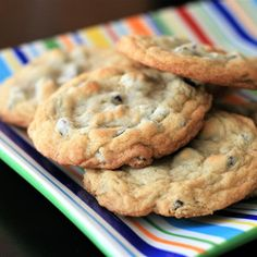 Best Chocolate Chip Cookies Chocolate Chip Cookies Allrecipes, Butter Cookies Recipe, Chewy Chocolate Chip Cookies, Raisin Cookies, Chocolate Fondant, Cookie Recipes, Dessert Recipes, Desserts, Dessert Bars