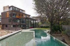 casa con gran piscina en Brasil