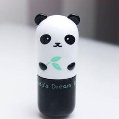 Stick pour les yeux en forme de panda, gloss à lèvres version lapin ou encore crème pour les mains en forme de pomme, la marque coréenne Tony Moly débarque en France cette année. Avis aux beautistas… sortez vos porte-monnaie !
