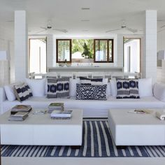 CASA TRÈS CHIC: ST BARTHS, love the pillows and rug