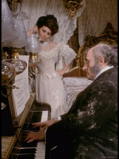 Sophia Loren in Elegant Victorian Costume, Scene from Lady L Premium fotoprint van Gjon Mili bij AllPosters.nl