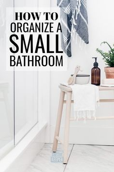 Is your bathroom so small that you feel like you have no storage? These 14 organizing ideas and hacks for a small bathroom are just what you need. Don't miss these tips for organizing under the sink, over the toilet, and on a budget! Small Bathroom Organization, Bathroom Hacks, Home Office Organization, Bathroom Ideas, Declutter Your Home, Organizing Your Home, Organizing Ideas, College Apartments, Studio Apartments