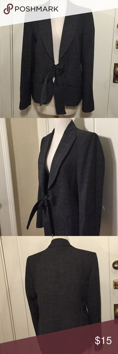 Alfani charcoal gray blazer with tie This is a charcoal blazer by Alfani light shoulder pads, ties in the front, two fake pockets, nice lightweight, lined. Good condition minor wear, see pictures for details.be sure to check out other items in closet and bundle to receive discounts. Alfani Jackets & Coats Blazers