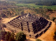 Borobudur is a Buddhist stupa and temple complex in Central Java, Indonesia dating from the 8th century, and a UNESCO World Heritage Site. This is one of world's truly great ancient monuments, the single largest Buddhist structure anywhere on earth.