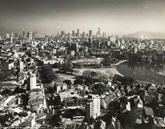 A photo taken in Edgecliff looking towards the city of Sydney across the suburbs of Rushcutters Bay (foreground to the right) and Kings Cross (background to the right). Cross Background, Paris Skyline, New York Skyline, Great Photographers, Local History, Historical Photos, Vintage Photos, Sydney, 1970s