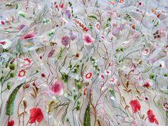 Купить Вышивка на сетке в стиле Valentino - комбинированный, белая сетка, вышивка, valentino, мягкий фатин