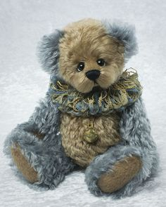 Dusty Blu Bear - about 13 inches. Very dense curly mohair. #artistbear #artistbears #teddybear #teddy #vickylougher