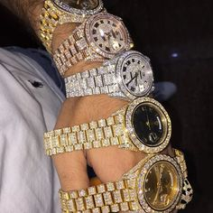 """Hit Me If You Lookin For Quality Work Don't Hit Me For Deals My Work Ain't  Cheap ..And Thank You To Those Who Been Loyal And Understanding About Fine Quality Jewelry And To Those Who Weren't """"My Prices Went Up"""" 👑💎"""