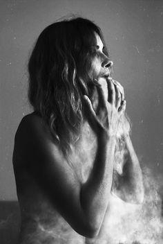 Artwork, nikon d600 + 50mm, photography and photo manipulation, Vomito las extrañas facteas de ti.  Indefinido, impalpable, implacable.  Ahora me fundo en tu engañoso abrazo y gozo del toque… - Image #594353, Spain