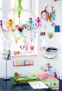 Kids crafting space