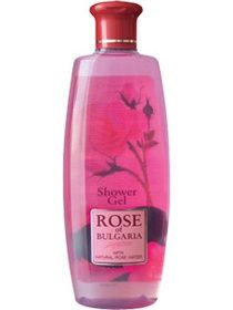 Even though it doesn't make much foam (and I love foam!) this shower gel belongs to my beauty favorites because it has an amazingly natural smell of rose petals...As if you were literally taking a shower of roses