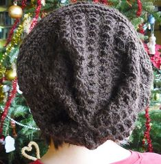Free Crochet Hat Pattern - English version about halfway down the page