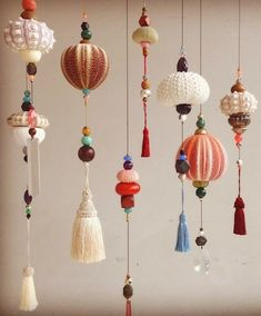 Mobiles by Frederikke Aagaard (but you could do this yourself like im gonna do) ps. Those shells are actually sea urchin skeletons! Mobiles by Frederikke Aagaard (but you could do this yourself like im gonna do) ps. Diy And Crafts, Arts And Crafts, Paper Crafts, Paper Art, Deco Luminaire, Christmas Crafts, Christmas Decorations, Seashell Crafts, Seashell Art