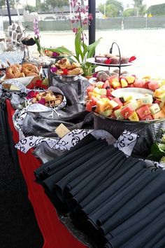 Groundbreaking Ceremony in Hollywood! Construction Theme Party, Party Themes, Party Ideas, Nonprofit Fundraising, Grubs, Catering, Decorating Ideas, Hollywood, Table Decorations