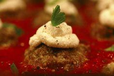 Low carb & keto Meatball Ricotta Bites -- Keto meatballs topped with ricotta and fresh basil -- SOOOOOOOOO GOOD!!