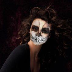 Fotoefectos Calavera para disfrazarte gratis de manera virtual.