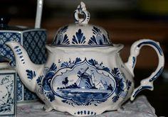 Studio 508: Of Tea And Teapots