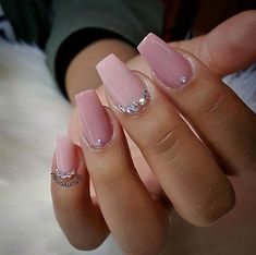 Love this length! Nail art design ideas | short nails | unas