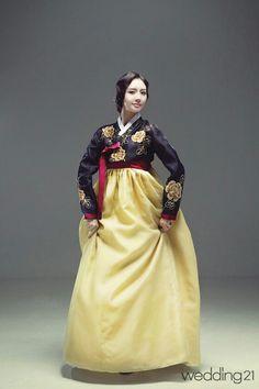 Traditional Hanbok for Women Korea Korean Traditional Dress, Traditional Fashion, Traditional Dresses, Korean Dress, Korean Outfits, Dress Attire, Dress Outfits, Asian Fashion, Unique Fashion