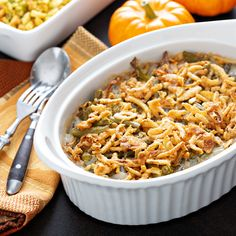 Nothing says holiday dinners more than Green Bean Casserole. Try this variation of Green Bean Casserole with creamy Pioneer Country Gravy, tender green beans, and crunchy french onions. Healthy Green Beans, Healthy Green Bean Casserole, Classic Green Bean Casserole, Creamy Green Beans, Baked Green Beans, Cooking Fresh Green Beans, Best Casserole Dish, Easy Casserole Recipes, Casserole Dishes