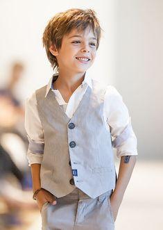 Mode enfantine IKKS, look garçon