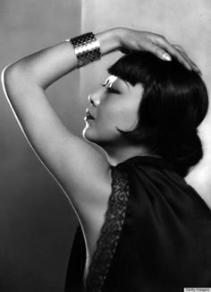 1920s Hairstyles That Defined The Decade, From The Bob To Finger Waves (PHOTOS)