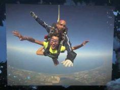 La A.S.D. Lanciati.it promuove il paracadutismo sportivo, prova l'emozione di un lancio in tandem o inizia un corso di paracadutismo A.F.F. Skydiving Equipment, People Fly, One Word, Tandem, The One, Sci Fi, Youtube, Sport, Words