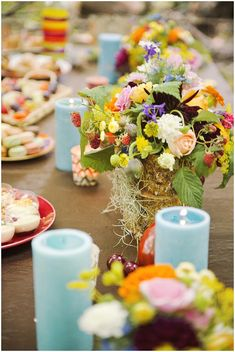 Bright wedding table on French Wedding Style with Photography © Emeline Hamon