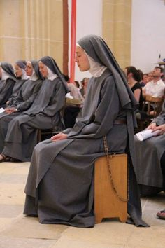 Community of St John - no longer in existence. The Sisters of Maria Stella Matutina emerged from this community Catholic Religion, Catholic Saints, Roman Catholic, Nun Catholic, Daughters Of Charity, Nuns Habits, Bride Of Christ, Christian Religions, Jesus Pictures