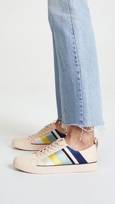 comfy sneakers for spring