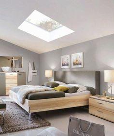 Charmant Schlafzimmer Loft | Steht Das Bett Unter Der Dachschräge Ergibt Sich Oft An  Anderer Stelle Im