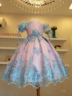 Baby Girl Wedding Dress, Baby Girl Party Dresses, Baby Gown, Little Girls Fancy Dresses, Princess Flower Girl Dresses, Kids Outfits Girls, Girl Outfits, Cute Dresses, Girls Dresses