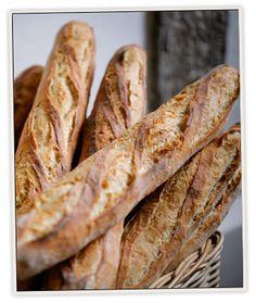 Plenty of artisan breads Bread Bun, Bread Rolls, Small Bakery, Best Bakery, Wine Tasting Party, Breakfast Buffet, Bread And Pastries, Soup And Sandwich, Artisan Bread