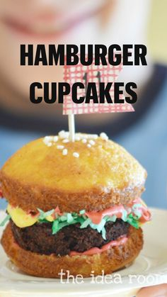 Cupcake Frosting Recipes, Yummy Cupcakes, Cupcake Cakes, Easy Birthday Desserts, Hamburger Cupcakes, Baking Recipes, Dessert Recipes, Summer Parties, Kids Meals