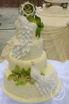 Incredible Cakes by Chef Flora Aghababyan at The French Pastry School : April… Amazing Wedding Cakes, Elegant Wedding Cakes, Wedding Cake Designs, Amazing Cakes, Peacock Cake, Peacock Wedding Cake, Gorgeous Cakes, Pretty Cakes, French Pastry School