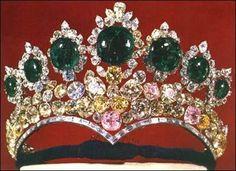 Seven Emeralds Tiara, created for Empress Farah, by Harry Winston, 1958 (Iran)