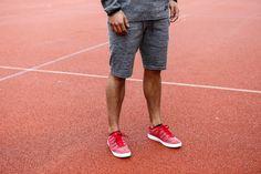 Nike Tech Knit Po Crew - Cool Grey - 139€ & Nike Tech Knit Shorts - Cool Grey - 110€ | Nike Tennis Classic Ultra Flyknit - Gym Red - 728673 060 - 130€ | Jetzt im stickabush Sneaker Online Shop bestellen!