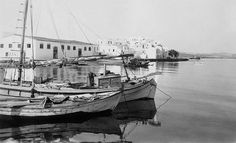 Greece Pictures, Paros Greece, Vintage Pictures, Old Photos, Sailing Ships, Boat, Painting, Lava, Old Pictures