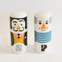 Salvador Dali and Pablo Picasso ceramic salt and pepper shakers by Ingela P Arrhenius for Omm Design Gifts For Art Lovers, Lovers Art, Salvador Dali, Pablo Picasso, Original Wedding Gifts, Jewelry Kits, Rare Birds, Modern Artists, Salt And Pepper