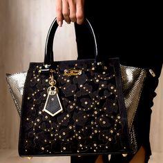 Bolsa Recortes Gold Black Carmen Steffens. A Linha Secret CS está  irresistível e cheia de c55616d5ecacd