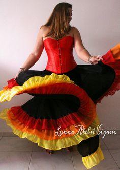 Saia cigana modelo fogo 3 babados #saiacigana #roupacigana #gypsyskirt #zingara #cigana #dançacigana